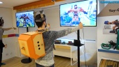 Nintendo Labo: Robot Kit - Putting on the Robot Toy-Con Suit and Gameplay